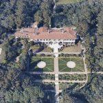 Le château de 121 millions de dollars du défunt suscite une bataille judiciaire sur les dettes