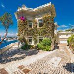 L'ancienne villa de Sean Connery en bord de mer dans le sud de la France se vend pour 33 millions de dollars