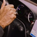 Un tribunal britannique a statué que les chauffeurs d'Uber ont droit à des prestations de travailleurs.
