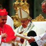 Le cardinal du Vatican impliqué dans un scandale immobilier démissionne inopinément