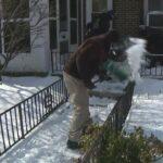 Des bénévoles offrent un service gratuit de déneigement aux personnes âgées de Philadelphie
