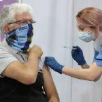 Quand allez-vous recevoir le vaccin Covid ? Ce calculateur en ligne estime votre temps d'attente