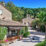 Le domaine du village français de Johnny Depp pourrait être le vôtre... mais il vous faudra des poches profondes.