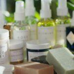 Découvrez le pouvoir des soins de la peau entièrement naturels et sans substances synthétiques d'Herbivore Botanicals.