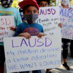 """Les parents poursuivent LAUSD pour la """"crise éducative"""" de l'apprentissage en ligne"""