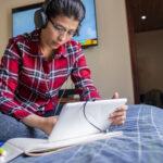 Quelles que soient vos conditions de vie pour l'université en ligne, voici comment les prêts étudiants couvrent les dépenses