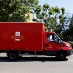 Royal Mail revoit à la hausse ses estimations de recettes en raison de l'essor des achats en ligne