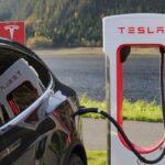 Cette étude montre que Tesla est en tête des ventes de voitures en ligne.