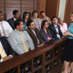 Recherche sur le jury Enquêtes en ligne sur l'attitude de la communauté