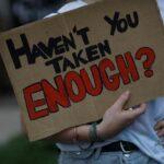 Les Américains sont en chute libre en matière de logement alors que les réserves de survie en cas de pandémie expirent