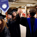Les cours d'été gratuits et les bourses d'études ramèneront-ils les étudiants dans les collèges communautaires ?